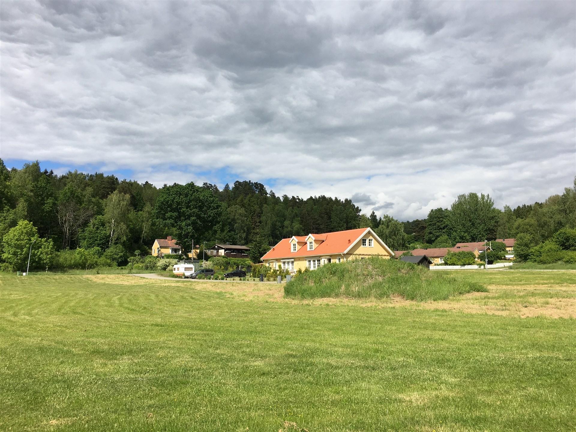 Områdesbild från blivande Brf Vika Strand före produktionsstart