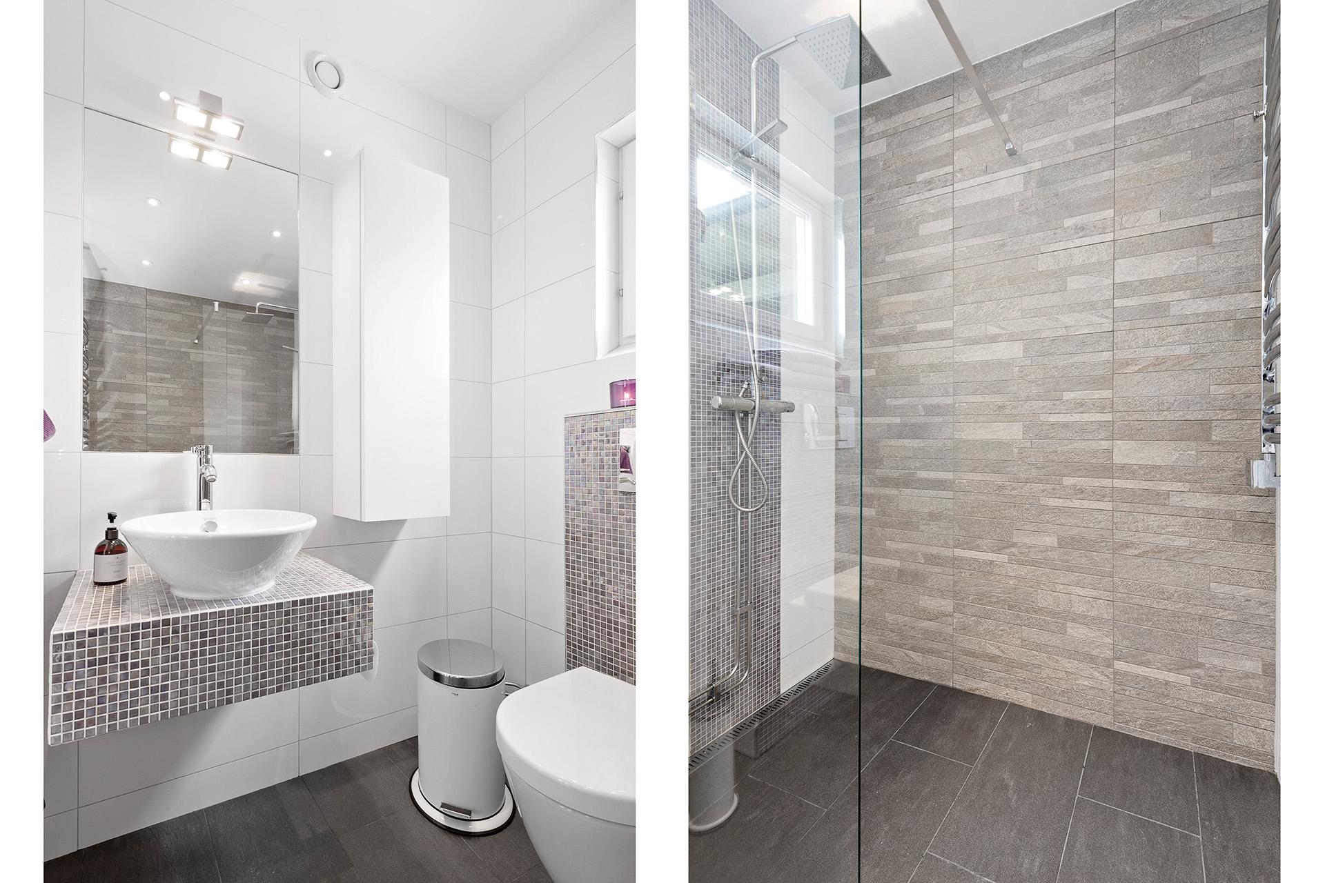 Duschrum med toalett, entréplan