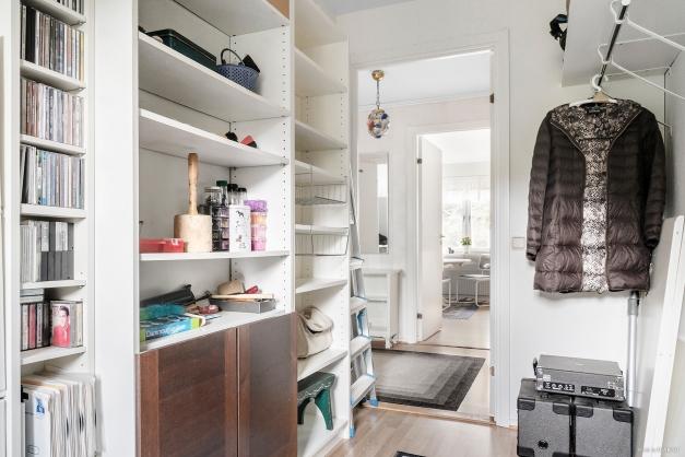 Rymligt förråd/ytterligare sovrum beläget i den egna bostaden