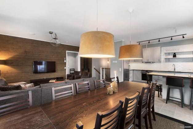 Vardagsrum, matplats och kök