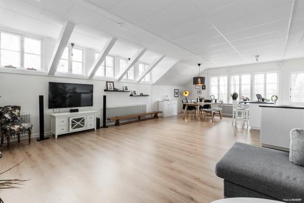 Vardagsrum/kök/matplats, lägenhet 4 rok