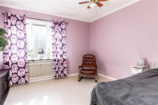 Sovrum 1 (av 3, det tredje sovrummet ej med på bild)