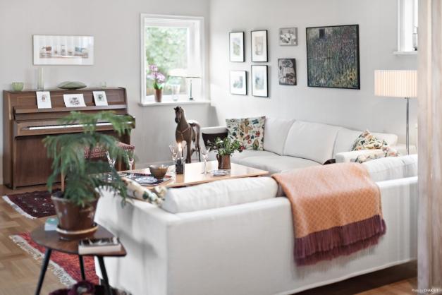 Fönster åt tre väderstreck, vackert golv...