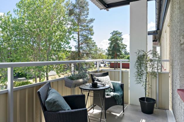 Rymlig balkong i fritt läge!