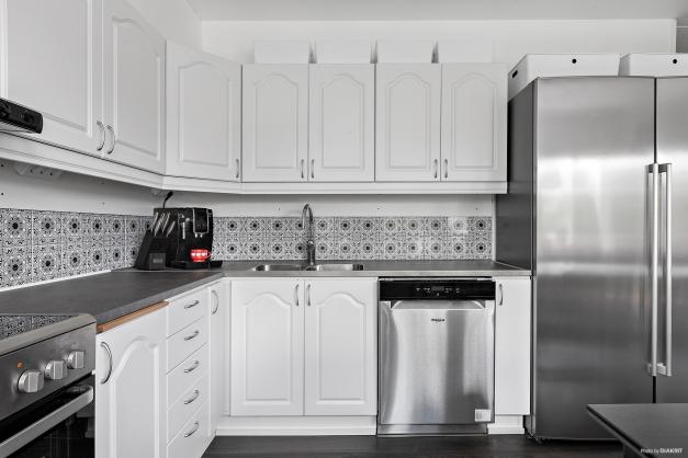 Kökets luckor lackerades 2017