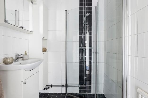 Helkaklat och fräsch badrum