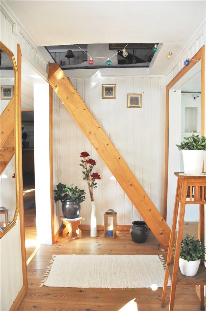 Passage mellan kök, vardagsrum och sovrum