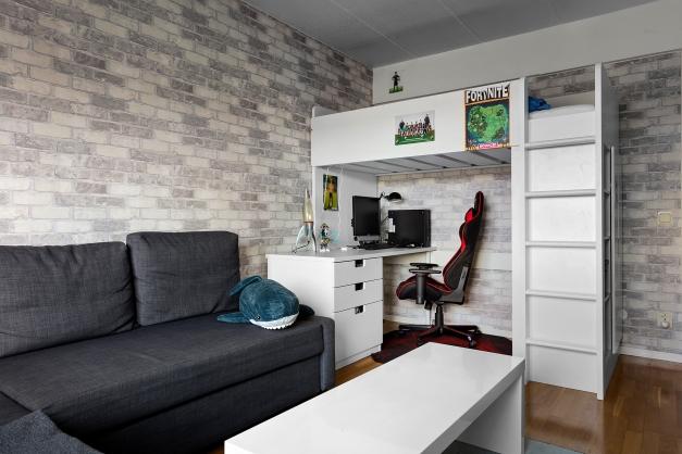 Plats för både soffa och säng