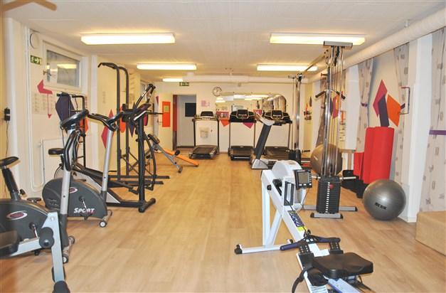 Brf:s egna gym - kostnad 400 kr/år. I närliggande byggnad