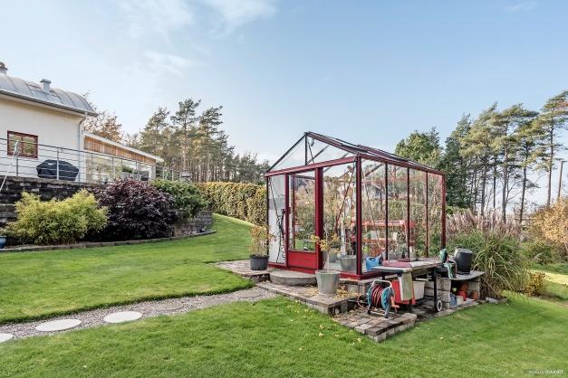 Växthus med el och vatten