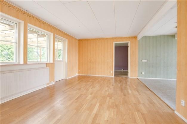 I vardagsrummet finns ingång till sovrum 2.