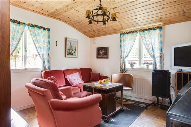 Ljust och fint vardagsrum.