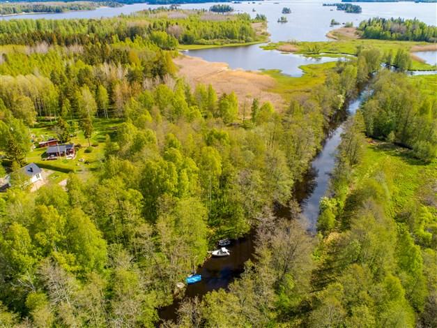 Fin vy ut mot sjön. Sjön Väringen är en bra bad och fiskesjö!