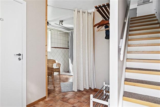 Lägenhet/personalutrymme verkstad Entréhall
