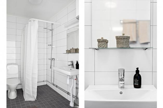Bostadsrätten har ett helkaklat badrum i stil med bilden. Observera att bilden dock är tagen i en annan enhet.