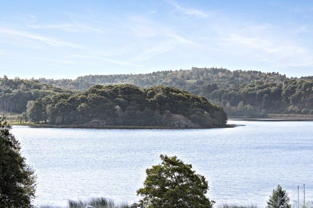 STENSJÖN - Fina vandringsleder runt sjön med minigolfbana, kanotuthyrning och glasskiosk