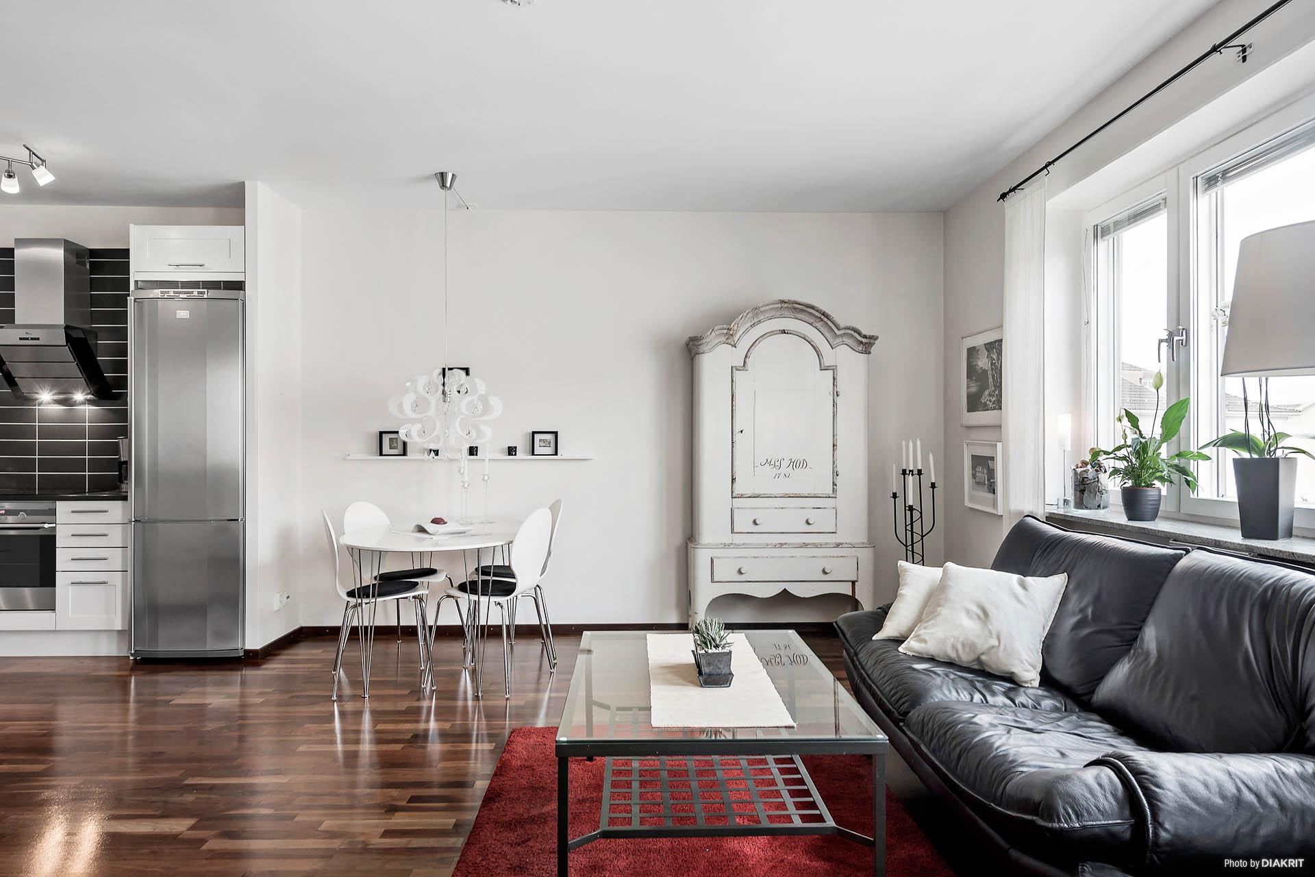 Här finns plats för både soffa och matbord