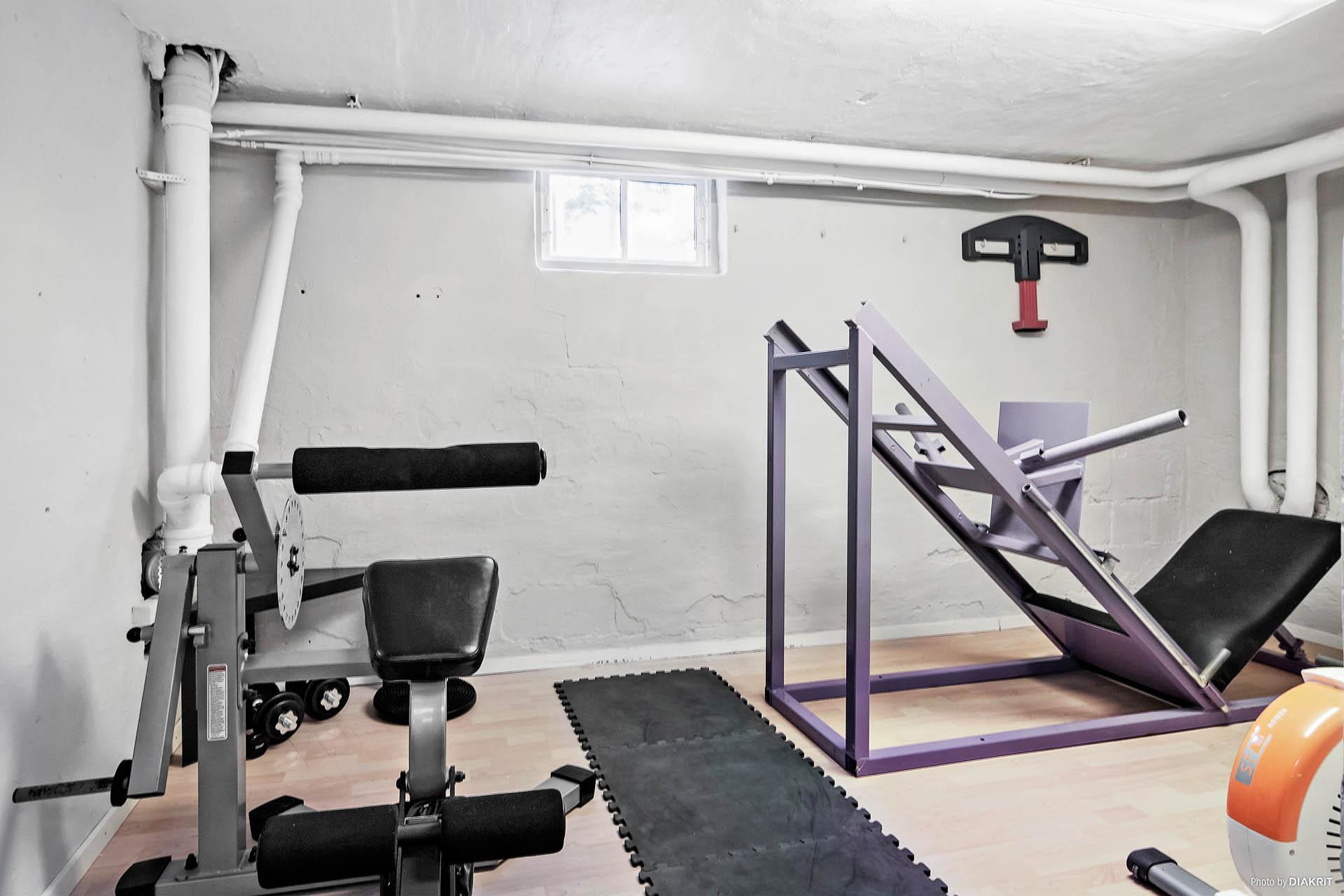 Rum/gym i källarvåningen