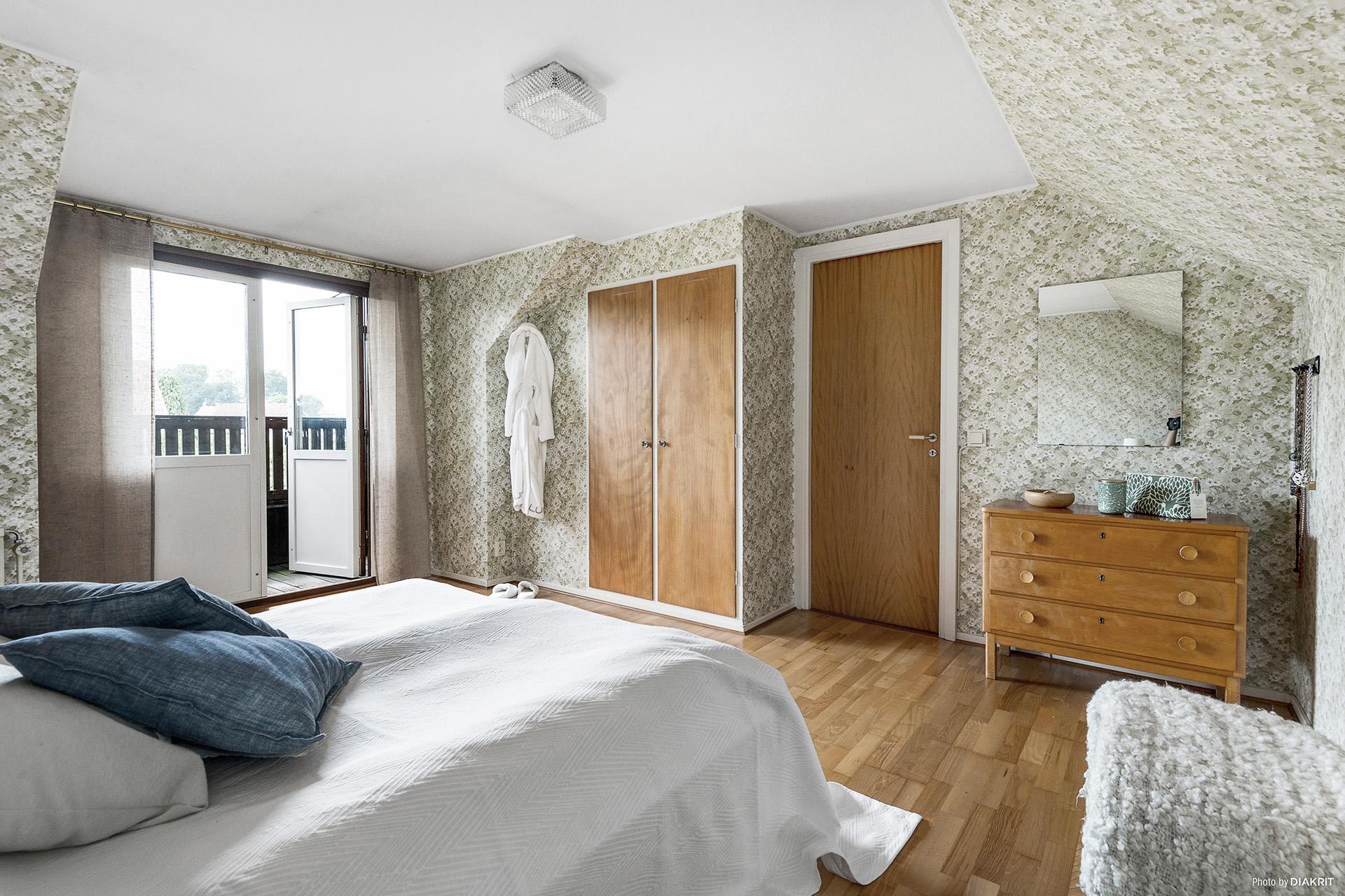 Sovrum 1 med balkong plan 2