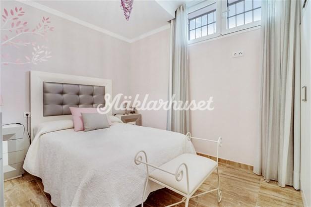 Sovrum i källarplan