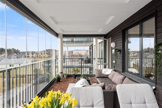 Ljuvlig inglasad balkong