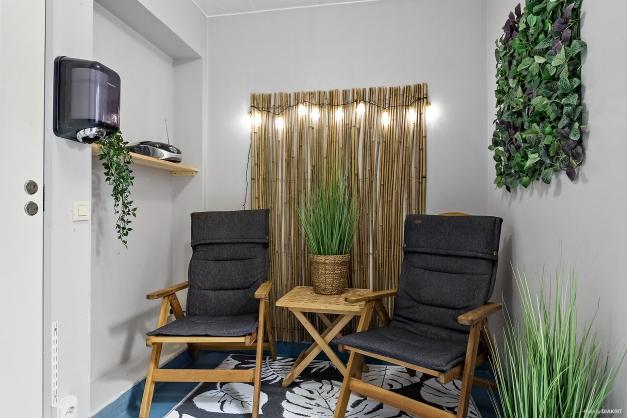 RELAXRUM - Utanför bastun finns relaxrum