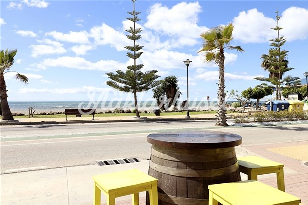 Bar med härlig utsikt i Benajarafe