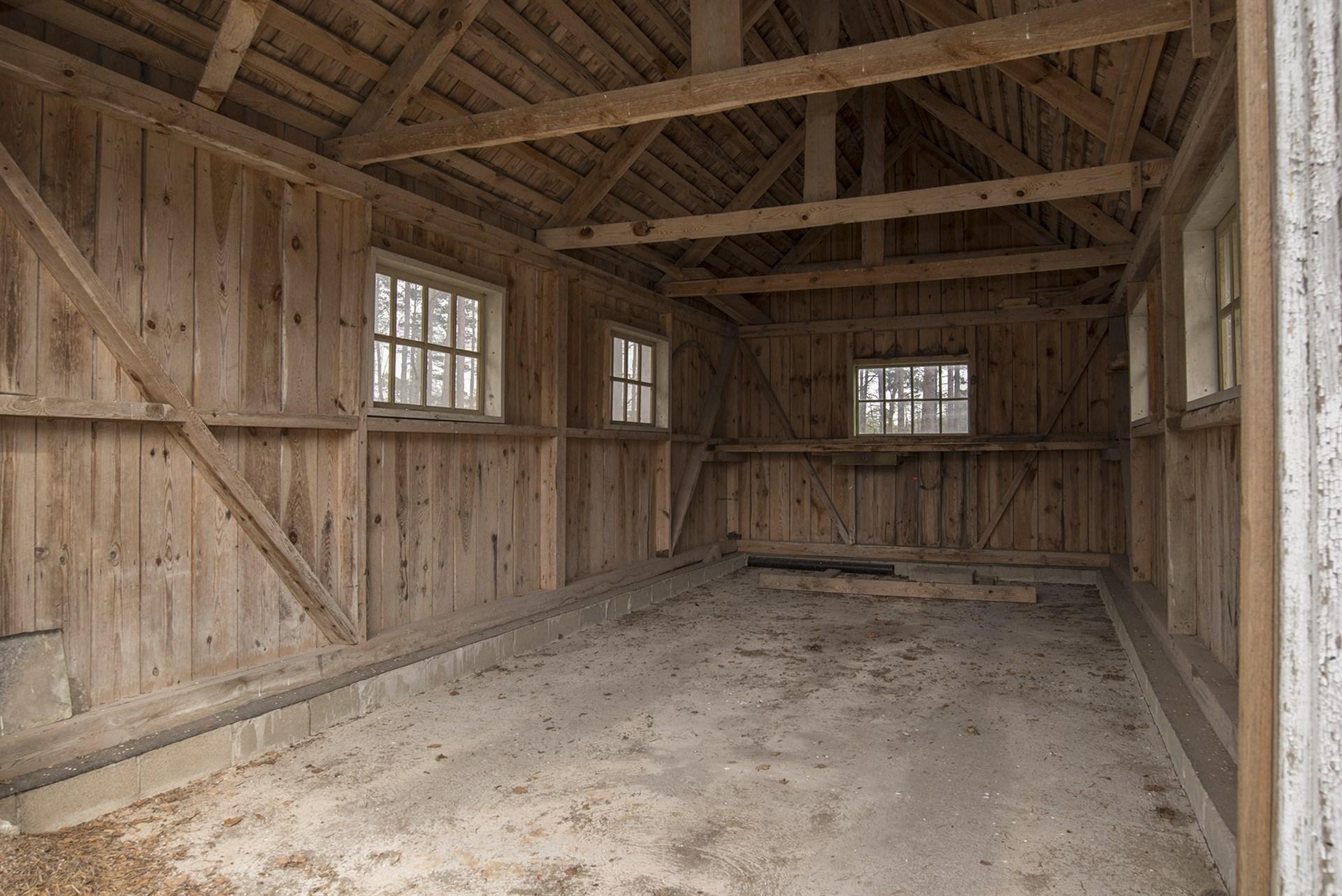 Garage på andra sidan vägen