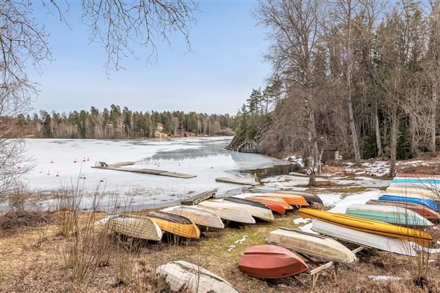 Möjlighet till båtplats ca 150 m