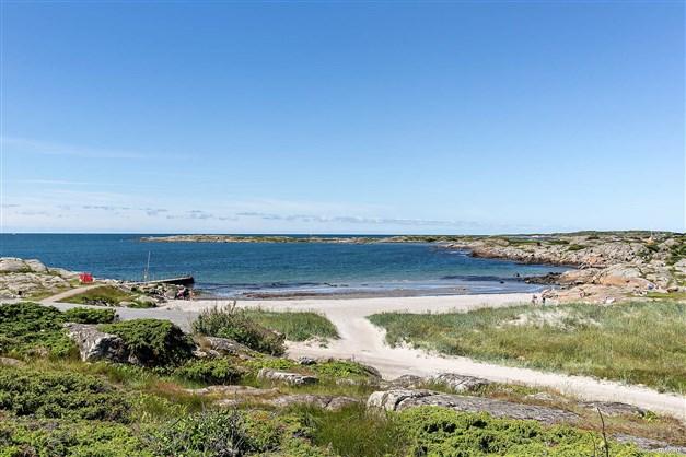 På Getterön finns 5 populära badvikar. Strandgården ligger mellan den 3:e och 4:e badviken.