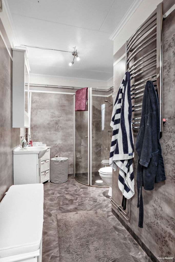 Lägenhet 3: Toalett/dusch
