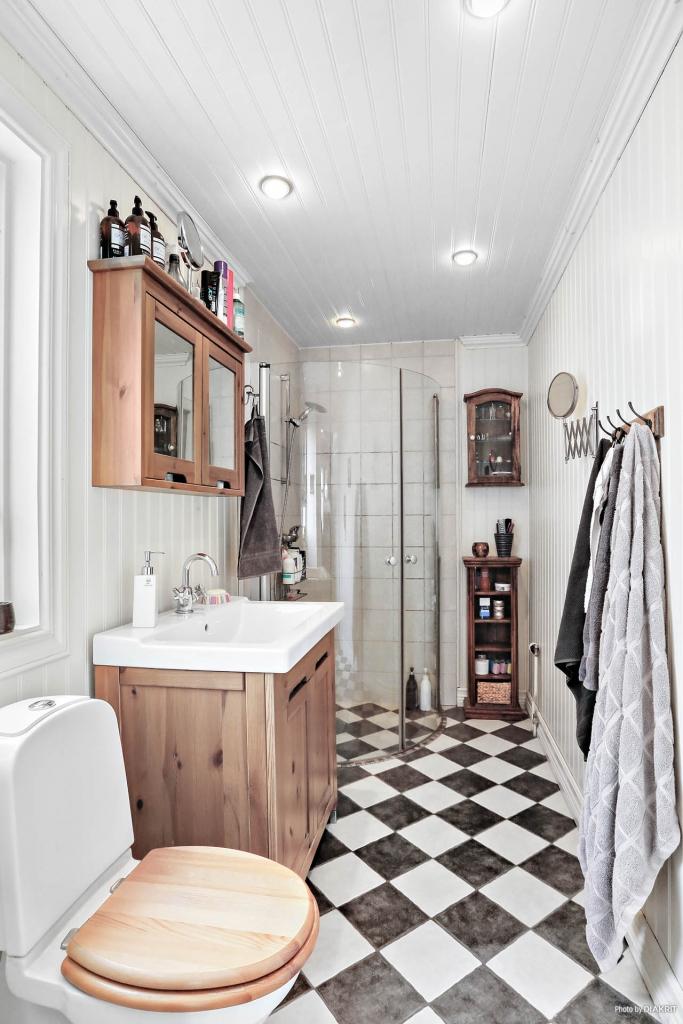 Lägenhet 1: Toalett/dusch