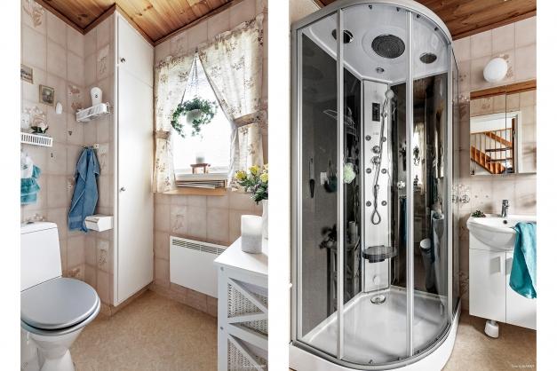 Badrum bottenvåning. Dusch med inbyggd ångbastu.