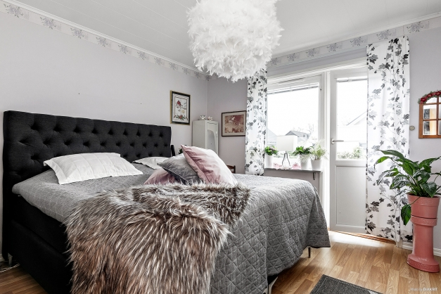 Sovrum bottenvåning