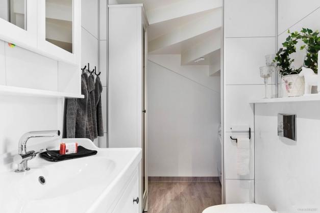 Duschrum med tvättstuga.