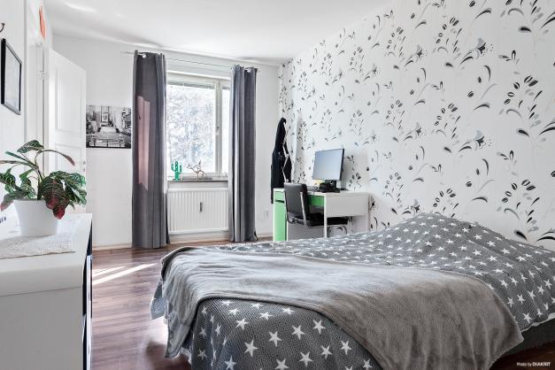 Rymligt sovrum 1
