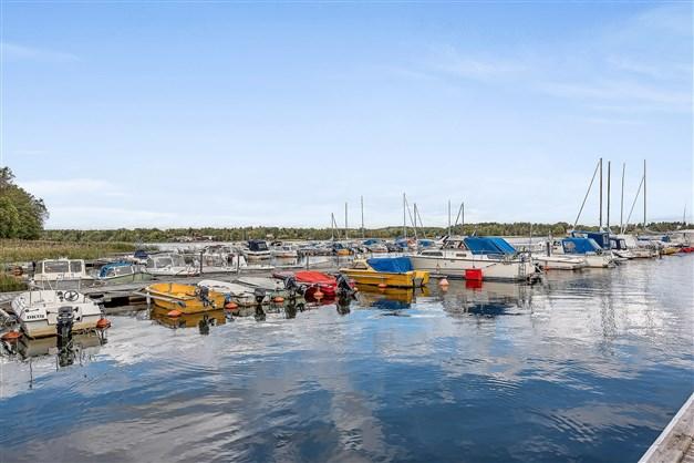 Båthamnen med båtplats