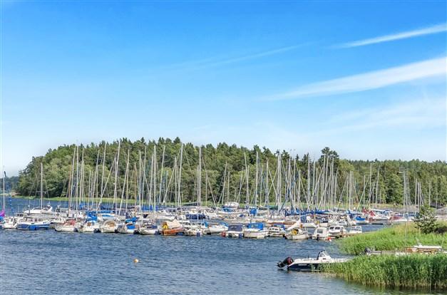 Här kan du ha båtplats bara några hundra meter från tomten