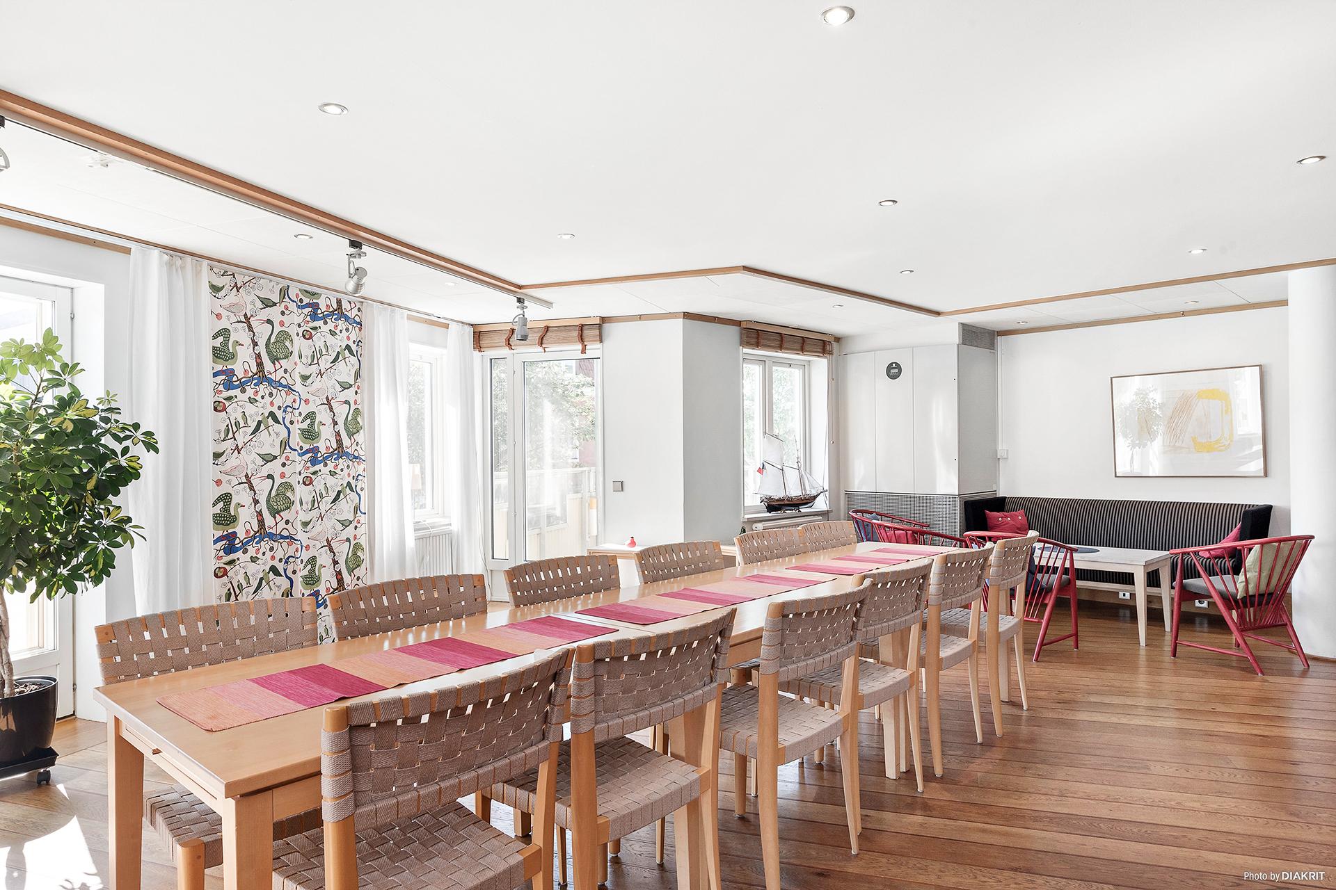 Samlingslokal i med både kök och allrum