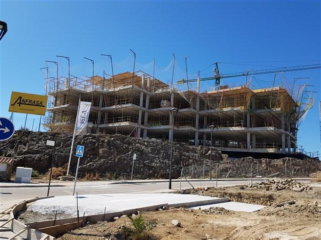 Byggnation pågår - byggnadens östra sida 2019-03-12