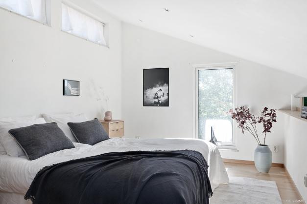 Sovrummet på loftet med