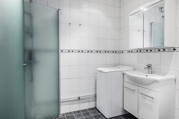Helkaklat, tvättmaskin, duschväggar