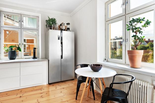 Kök med fönster i 2 väderstreck