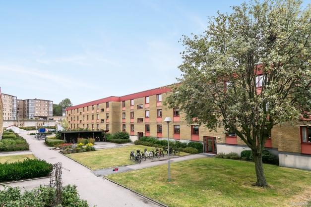 Trädlyckan, känt för sina grönområden och stora, inglasade balkonger