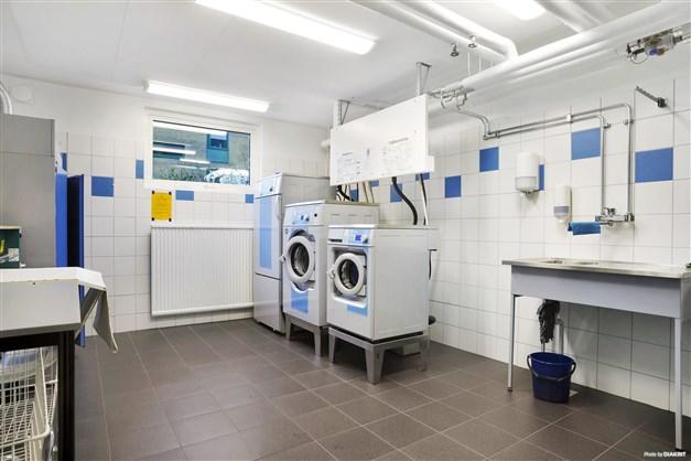 Fräscha och stora tvättstugor.