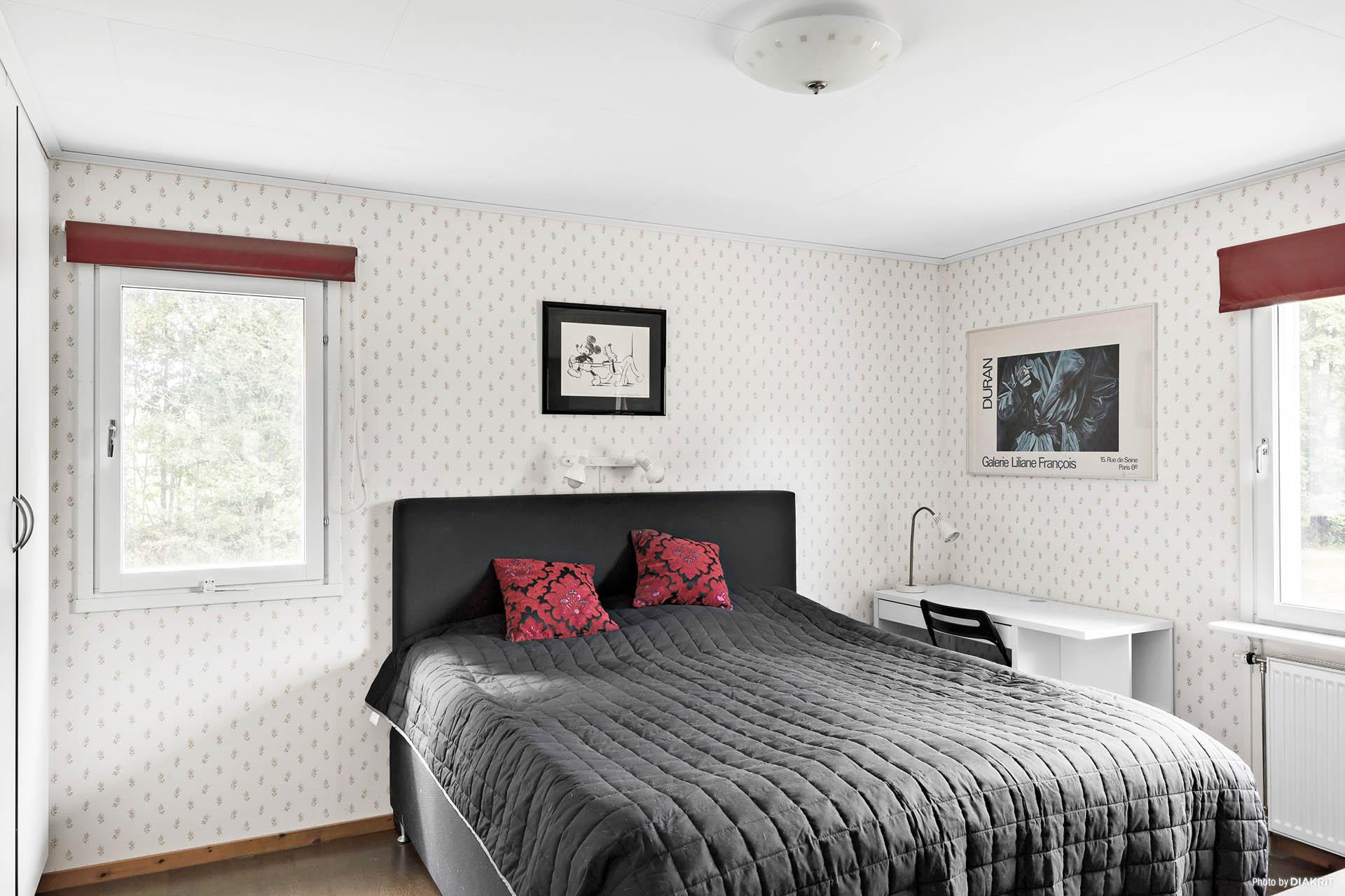 Villans master bedroom