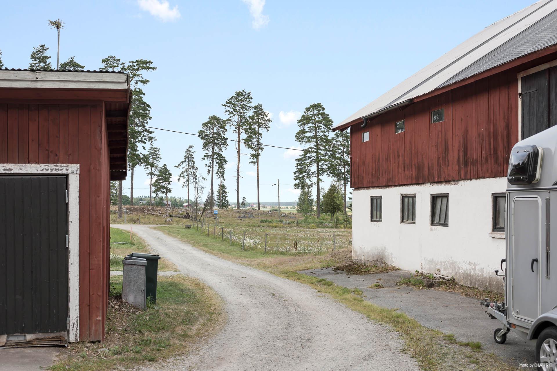 Garage & Ladugård