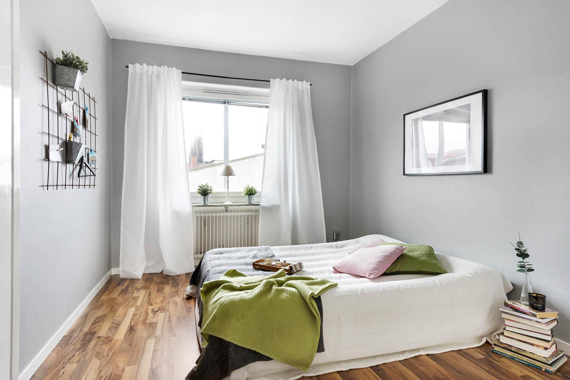 Sovrum med lugnt läge in mot gården