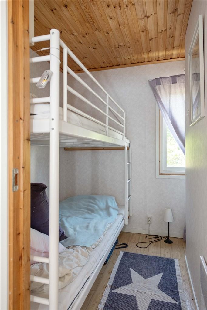 Sovrum i gästhus 1