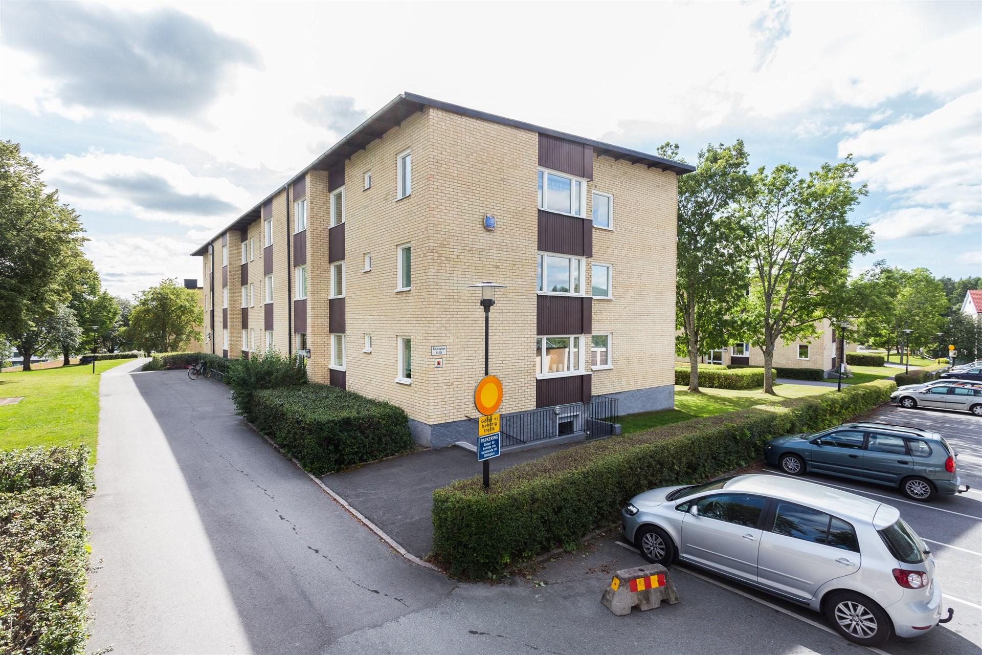 Fin bostadsrätt med hörnläge på 3:e våningen och centralt läge!